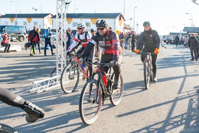 Gravel-cykelløbet Dirty Jutland 2019 blev afholdt den 12.-13. april. Mere end 500 cykelentusiaster kæmpede sig vej på forskellige distancer langs den jyske vestkyst med Skagen som endelig destination. Cykelløbet inkluderer både landevejskørsel, skov, strand, mv., og er således ligeså meget en naturoplevelse som det er et cykelløb.